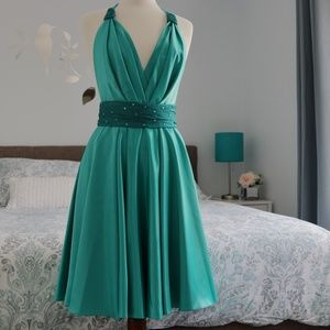 Dresses & Skirts - Turquoise Formal/Prom Dress w/Open Back Size 44